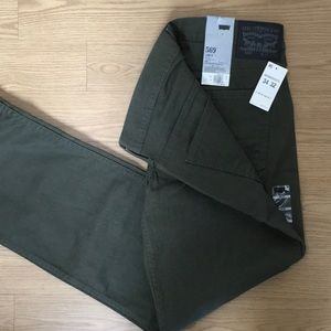NWT Men's Army Green Levi's 569
